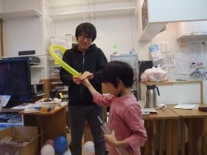 小学生から風船の口の縛る作業を執拗に迫られるいただきますお