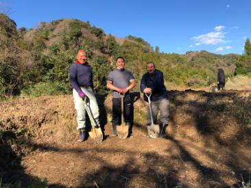 竪穴式住居の穴掘り