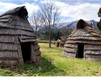 完成イメージ/山形県長井市・古代の丘 縄文村の復元竪穴式住居